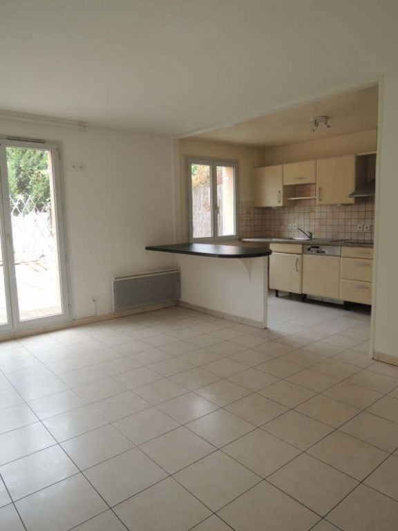 Rental apartment Acheres 985€ CC - Picture 1