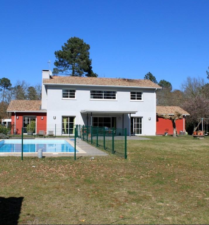 Deluxe sale house / villa La brede 553000€ - Picture 2