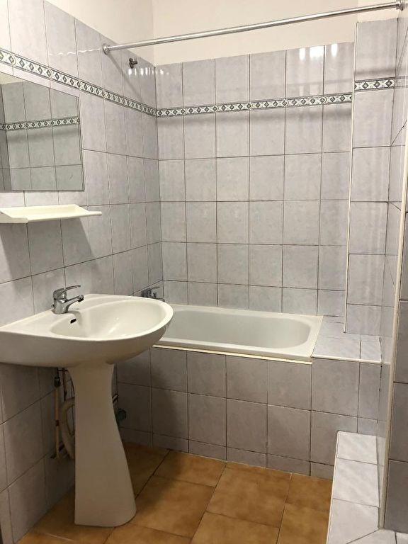 Sale apartment Aubagne 69000€ - Picture 4