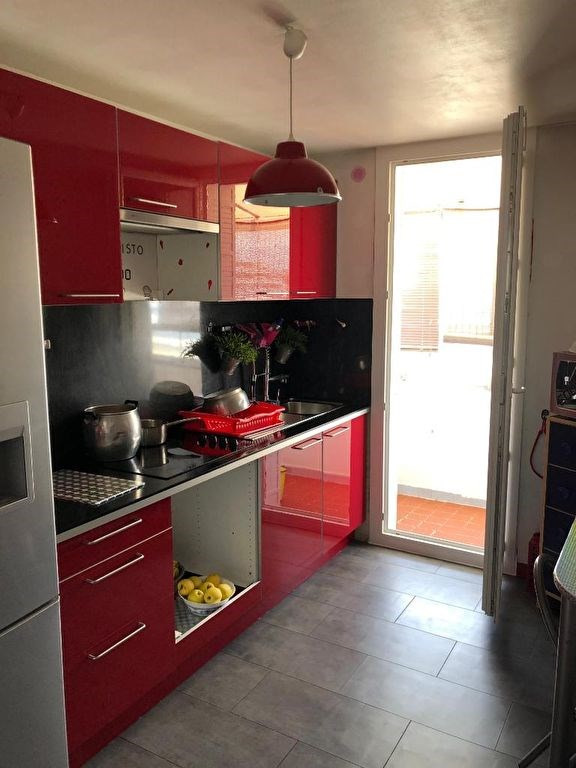 Sale apartment Marseille 79000€ - Picture 2