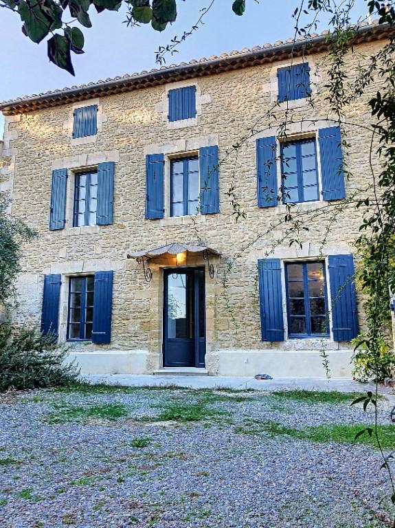 Verkoop  huis Pujaut 405000€ - Foto 1