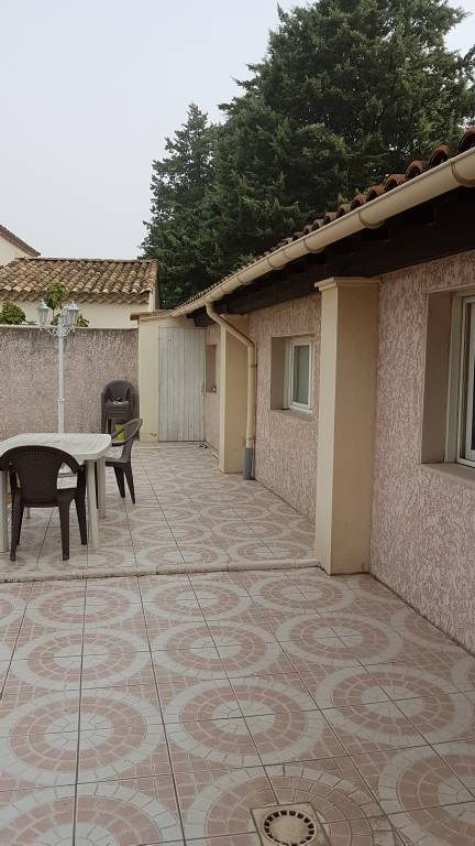 Rental house / villa Rochefort-du-gard 1550€ CC - Picture 5