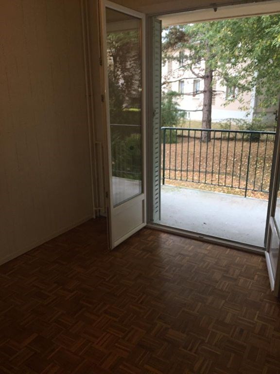 Location appartement Montfort-l'amaury 940€ CC - Photo 5