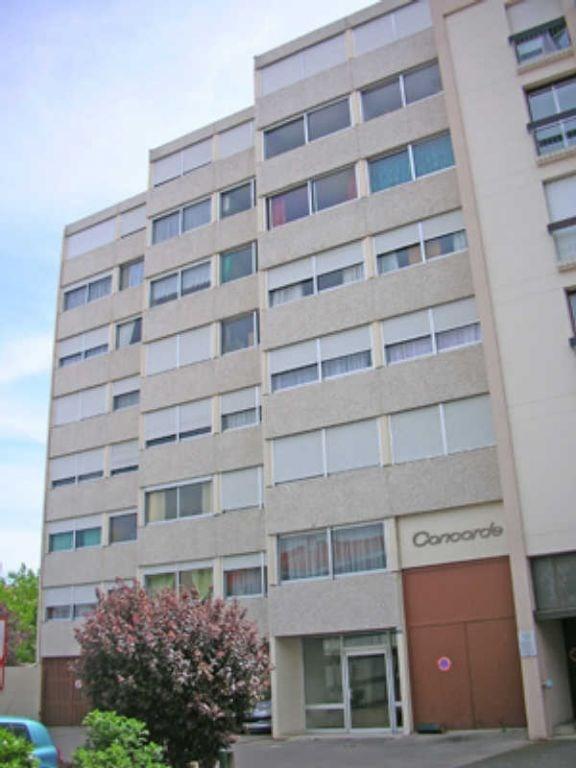 Rental apartment Le puy en velay 395€ CC - Picture 3