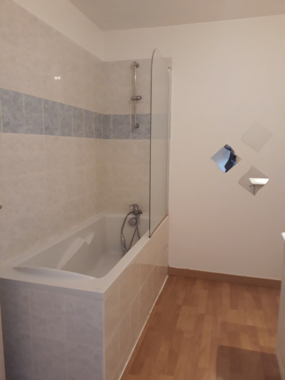Location maison / villa Oradour sur glane 560€ CC - Photo 6
