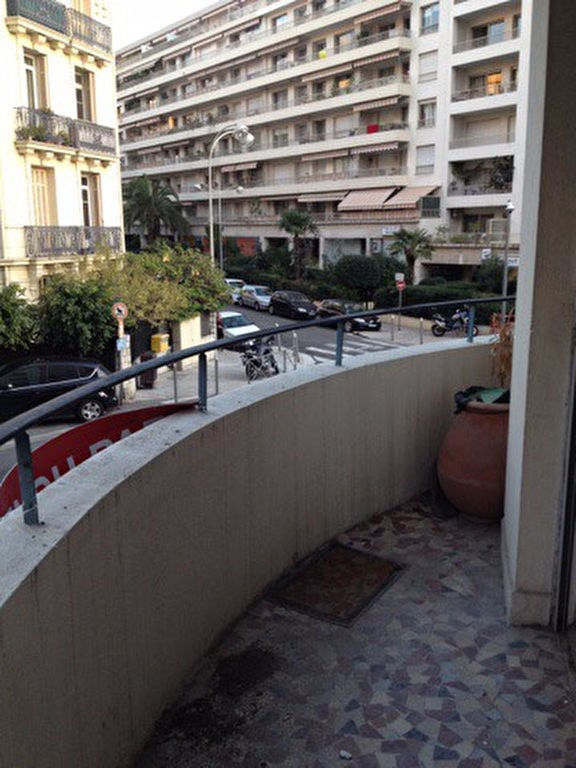 Sale apartment Nice 169000€ - Picture 1