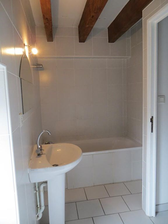 Location maison / villa Vertaizon 440€ CC - Photo 4