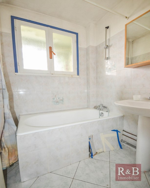 Sale apartment Les clayes sous bois 143000€ - Picture 6