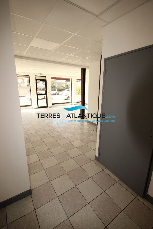 Location local commercial Quimper 1 150€ CC - Photo 4