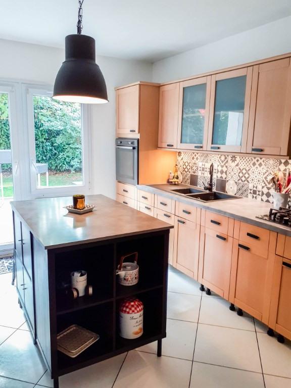 Sale house / villa Eragny 365000€ - Picture 6
