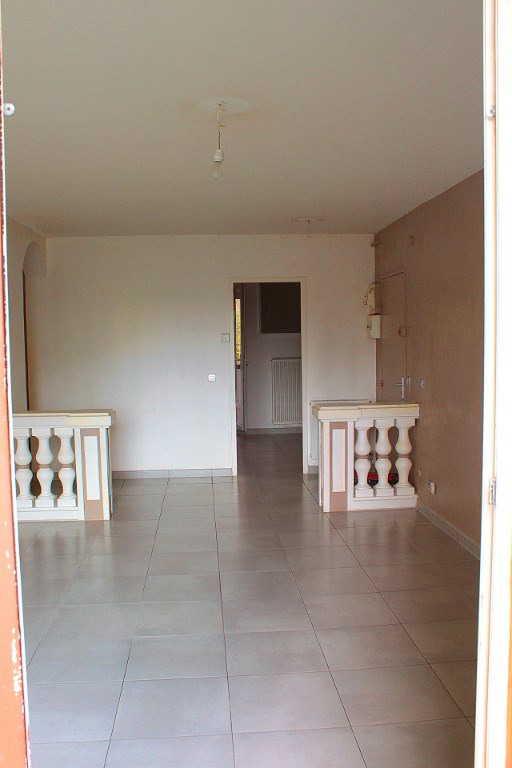 Sale apartment Marignane 137 000€ - Picture 2