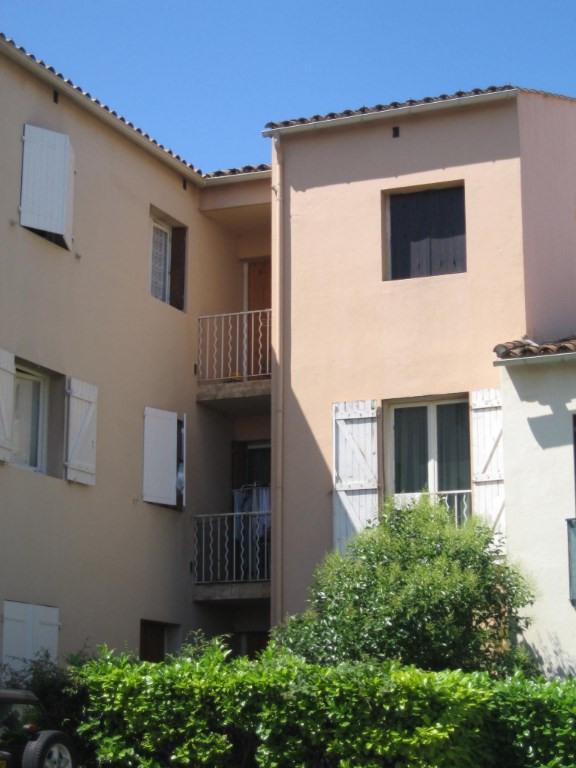 Location appartement Les milles 591€ CC - Photo 1