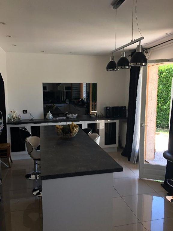 Sale house / villa L isle d'abeau 294000€ - Picture 6