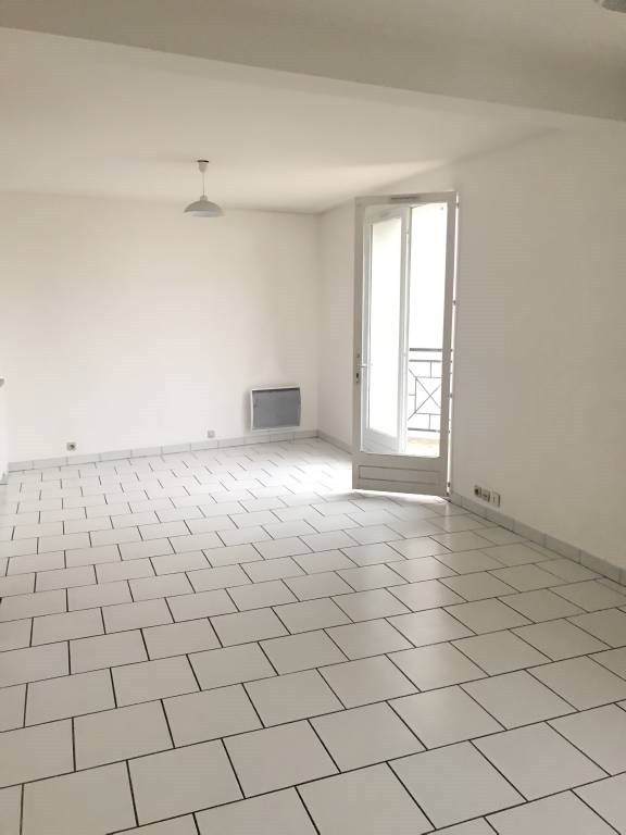 Rental apartment Arpajon 686€ CC - Picture 2