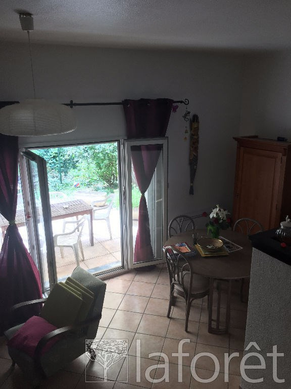 Sale house / villa L isle d'abeau 164000€ - Picture 5