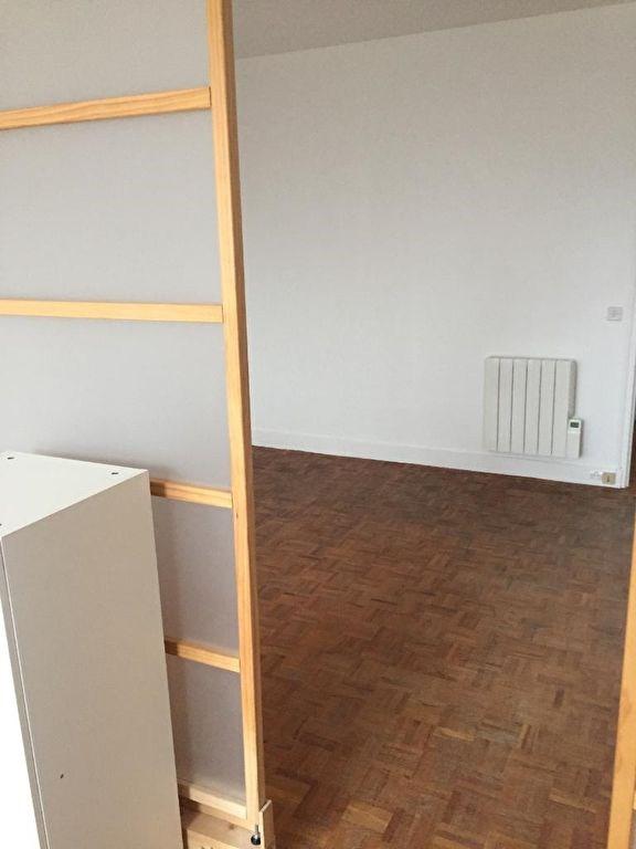 Location appartement Neuilly sur seine 930€ CC - Photo 2
