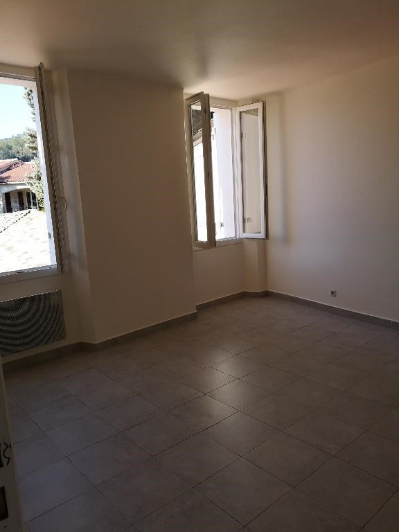 Location appartement Pignans 715€ CC - Photo 5