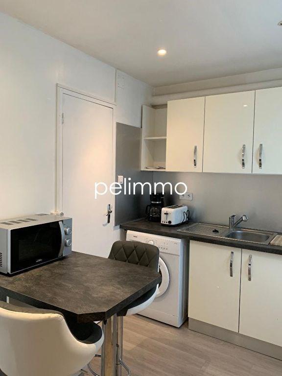 Location appartement Salon de provence 420€ CC - Photo 2