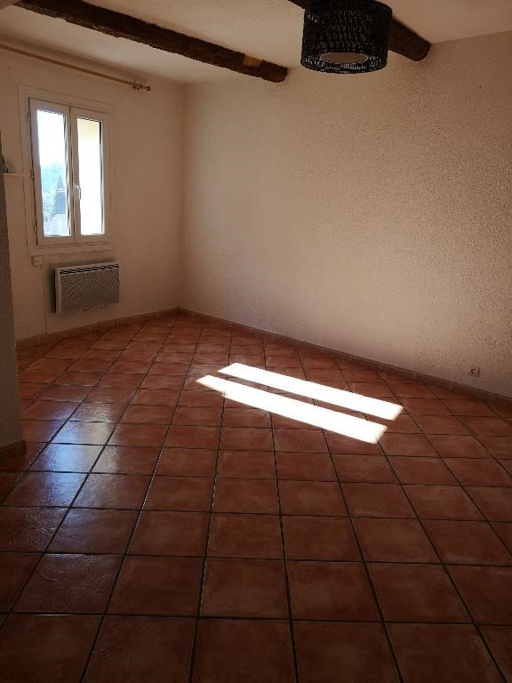 Location maison / villa Carnoules 760€ CC - Photo 2