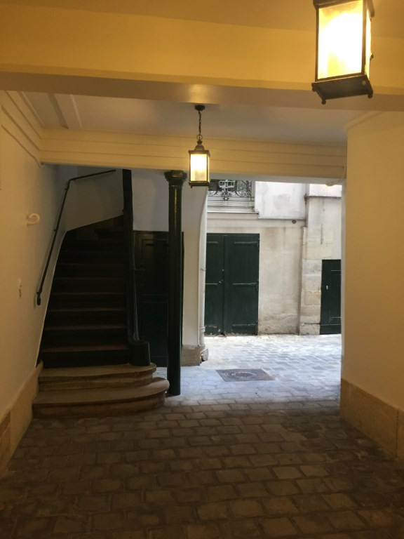 Sale apartment Paris 1er 499 000€ - Picture 4