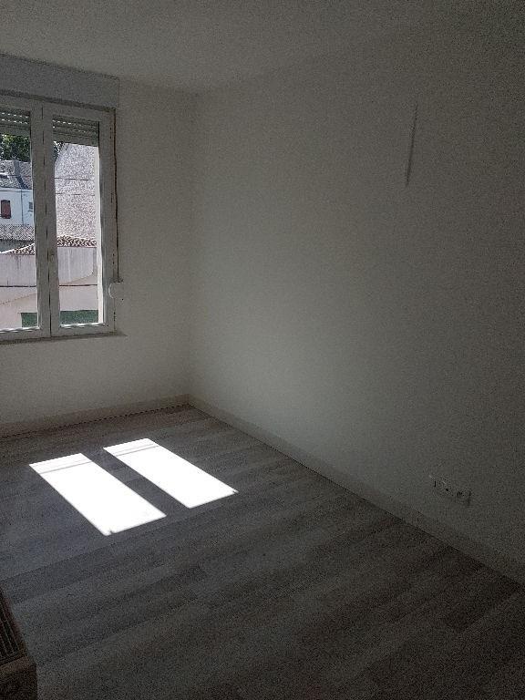 Rental house / villa Saint quentin 410€ CC - Picture 7