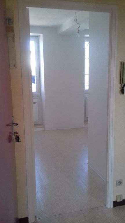 Location appartement Laval 286€ CC - Photo 5