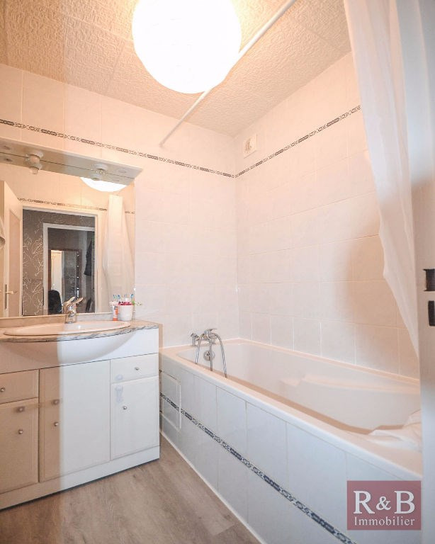 Sale apartment Les clayes sous bois 165900€ - Picture 7