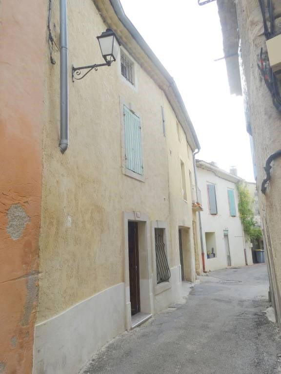 Location maison / villa Domazan 570€ CC - Photo 9