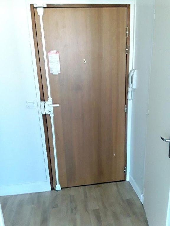Location appartement Le kremlin bicetre 825€ CC - Photo 1