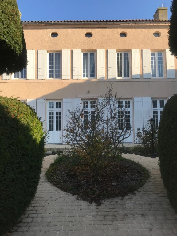 Deluxe sale house / villa Tonnay charente 689 700€ - Picture 2
