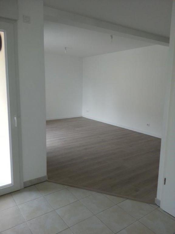 Rental apartment Laval 604€ CC - Picture 4