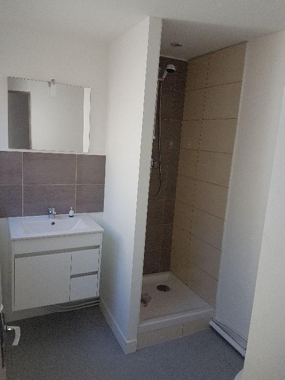 Rental house / villa Saint quentin 410€ CC - Picture 5