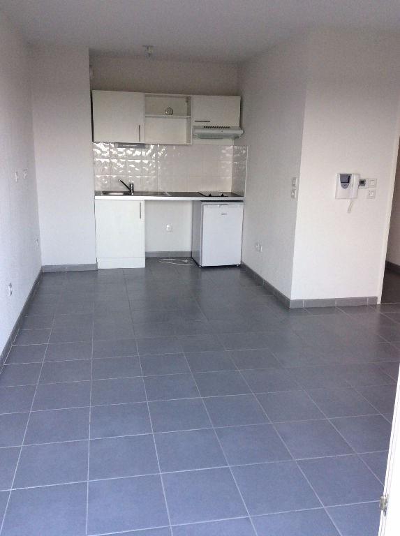 Rental apartment Leguevin 564€ CC - Picture 1