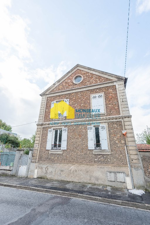 Investment property house / villa Champlan 329000€ - Picture 1