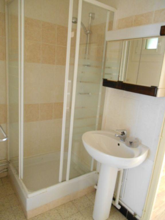 Location appartement Saint quentin 420€ CC - Photo 3