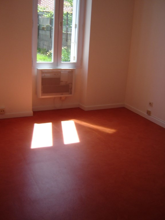Location maison / villa Cholet 387€ CC - Photo 1
