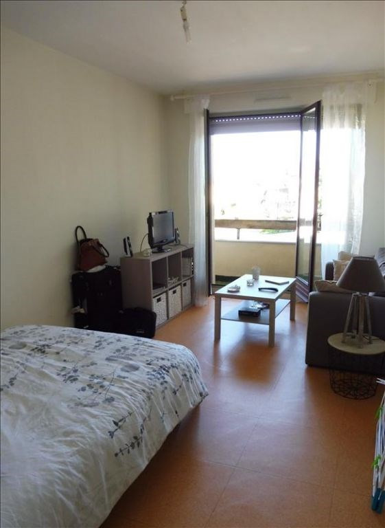 Rental apartment Saint pierre montlimart 305€ CC - Picture 2