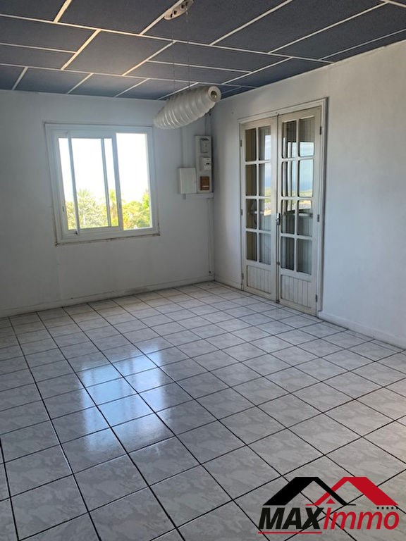 Location local commercial Saint louis 1 500€ HC - Photo 3
