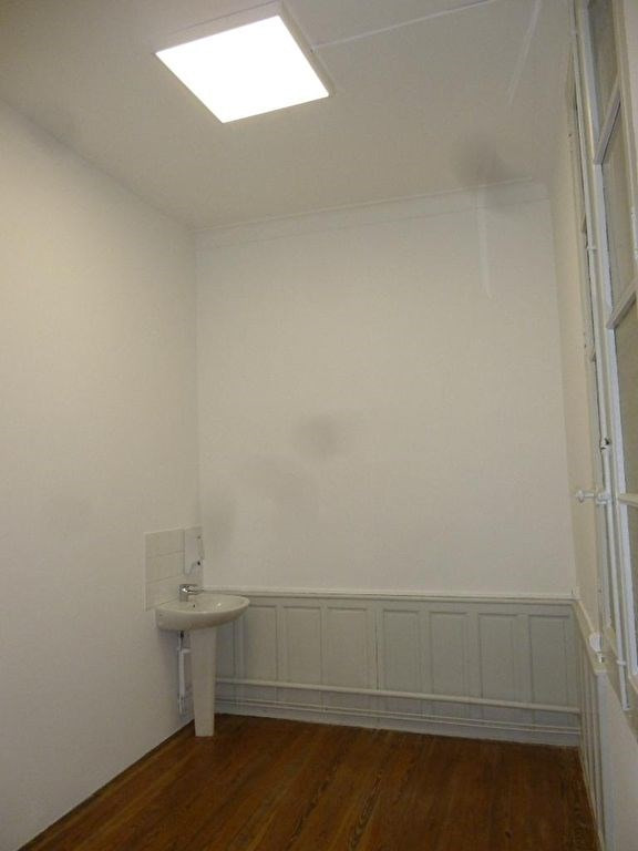Location local commercial Nimes 750€ HC - Photo 3