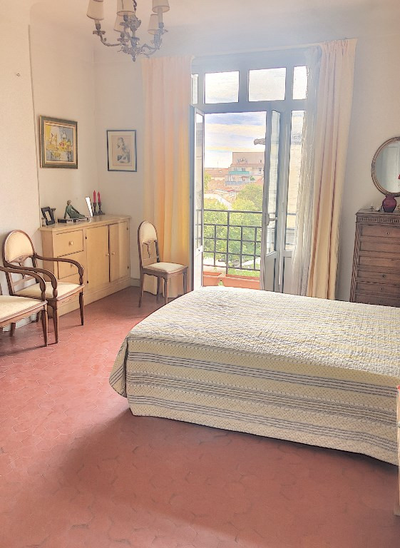 Sale apartment Avignon 222 000€ - Picture 5