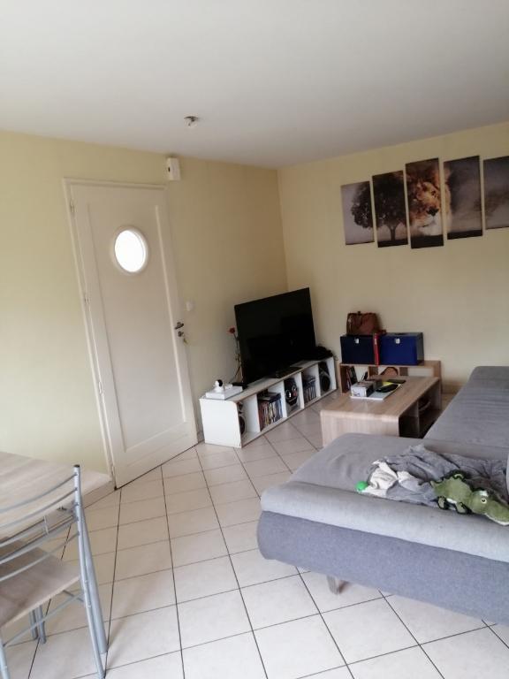 Rental house / villa Laval 519€ CC - Picture 2