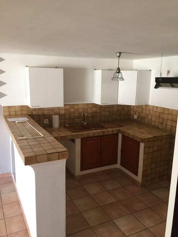 Rental apartment Lambesc 790€ CC - Picture 2