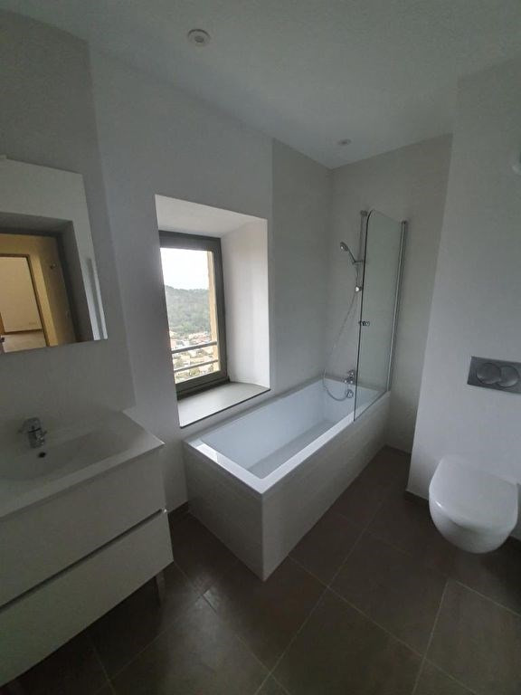 Location appartement Meyrargues 1176€ CC - Photo 3
