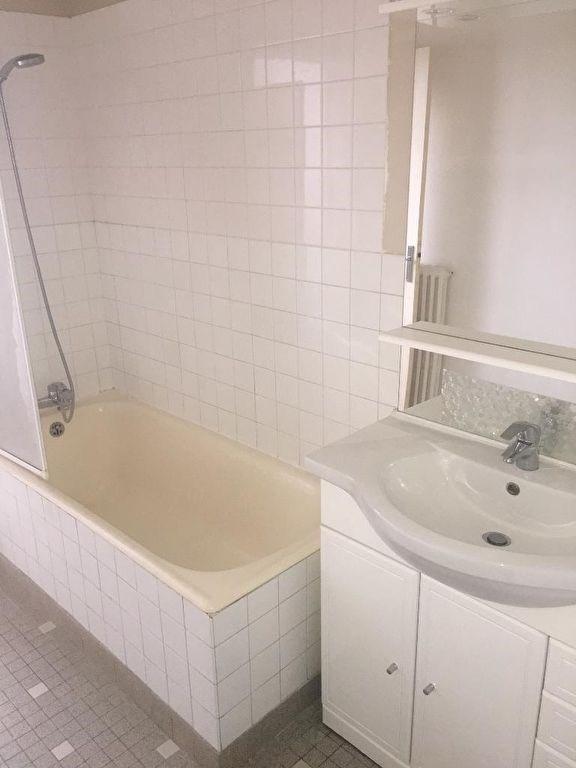 Rental apartment Montfort-l'amaury 940€ CC - Picture 8