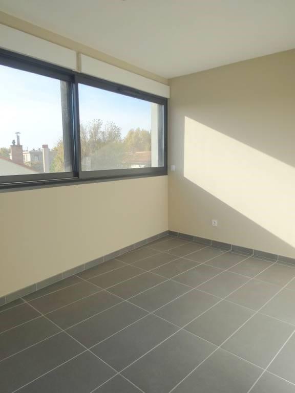 Rental apartment Le pontet 584€ CC - Picture 4