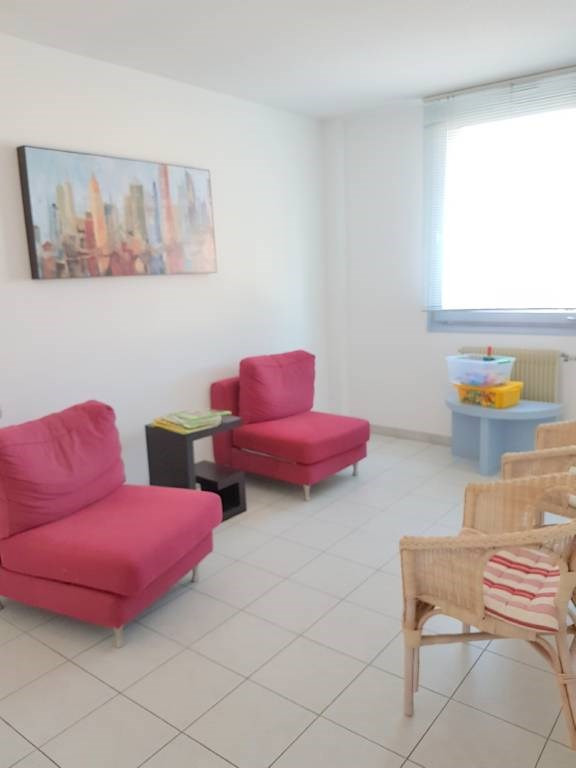 Location local commercial Les angles 860€ CC - Photo 3
