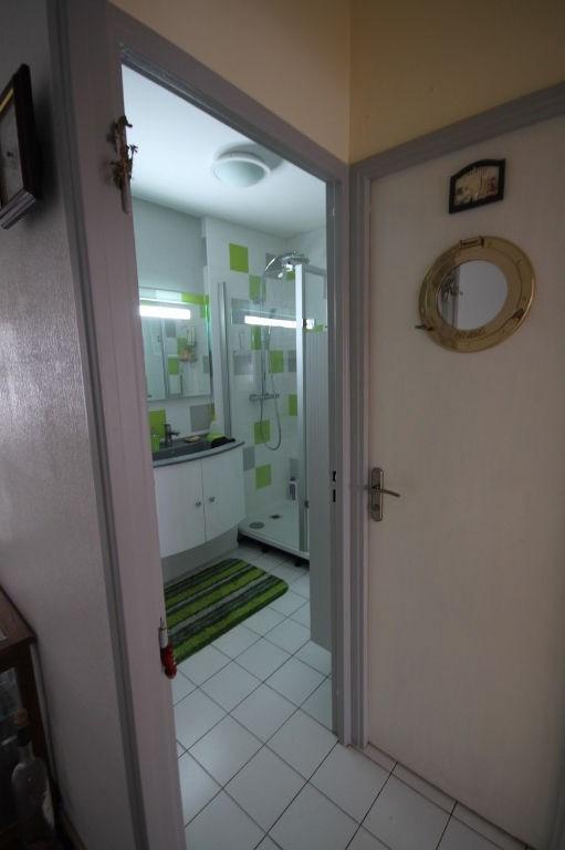 Sale apartment La rochelle 102000€ - Picture 6