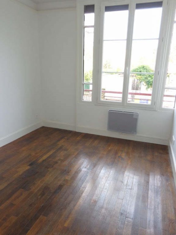 Locação apartamento La norville 790€ CC - Fotografia 3
