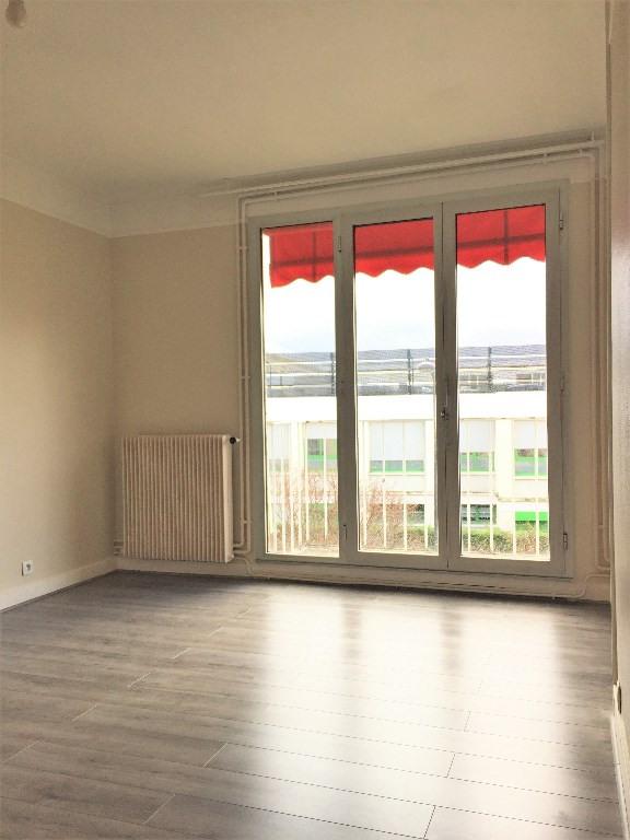 Rental apartment Rueil malmaison 1230€ CC - Picture 5