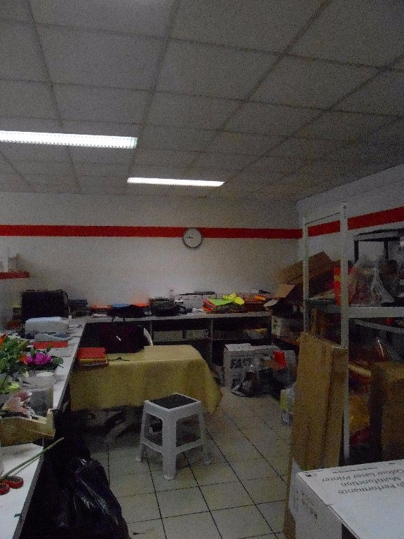 Vente local commercial Quimper 162600€ - Photo 3